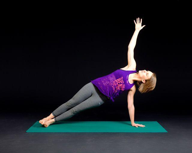 Pilates und Yoga sind Sportarten, die du bedenkenlos während der Schwangerschaft absolvieren kannst.