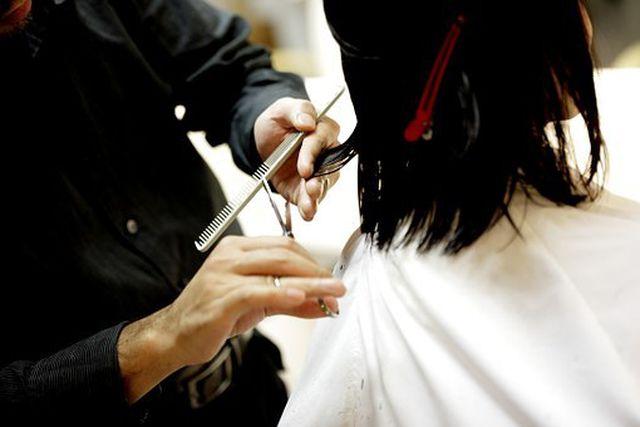 Haare regelmäßig schneiden