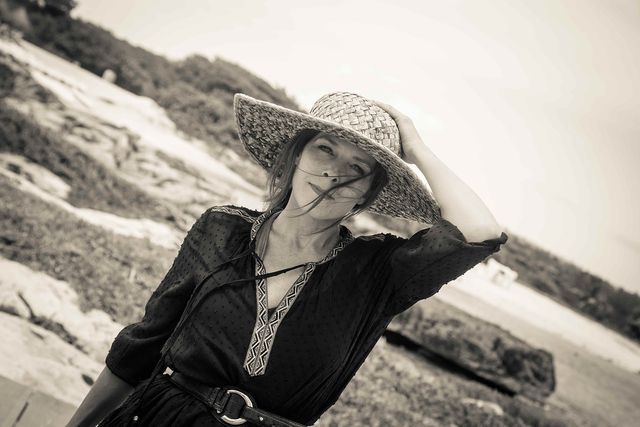 Ein breiter Hut ist der beste Sonnenschutz für die Kopfhaut.