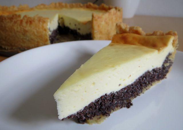 Feuchte Kuchen wie Käsekuchen kannst du gut mit Umluft backen.