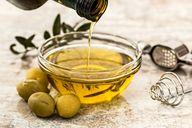 Pflanzliche und tierische Öle enthalten meistens unbedenkliche Mengen an Histamin.