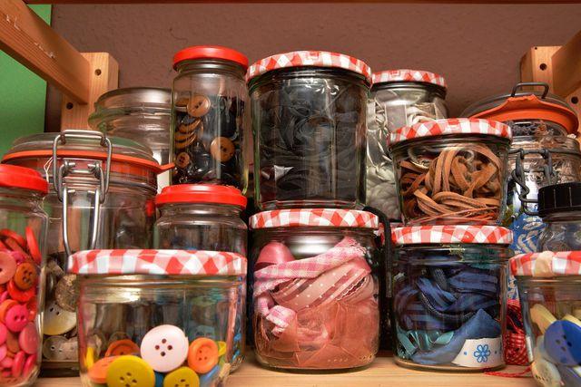 Auch Lebensmittel lassen sich gut in Schraubgläsern aufbewahren