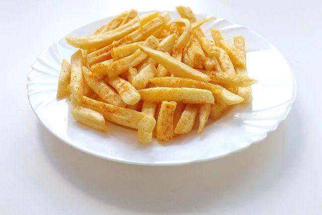 Pommes aus der Heißluftfritteuse