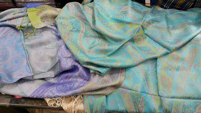Schals aus Kaschmirwolle sind besonders weich und flauschig.
