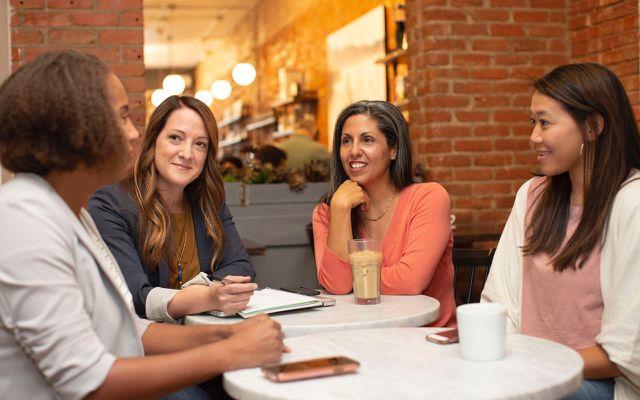 Frauen Unterhaltung; Über Geld sprechen; Triodos Bank