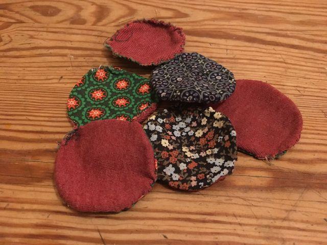 Upcycling: Abschminkpads aus alten Stoffresten.
