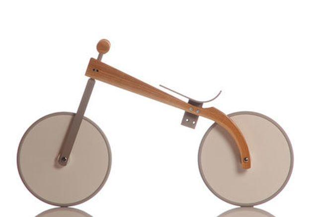 """Das Laufrad """"Charly"""" von Sirch besticht durch sein minimalistisches und klares Design."""