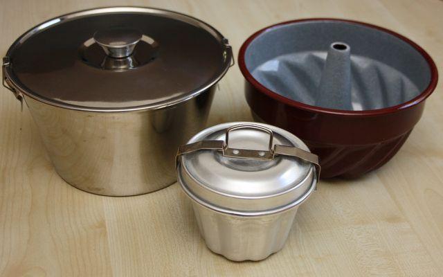 Für gekochten Brotpudding benötigst du eine spezielle Form.