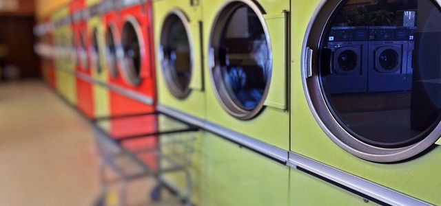 washing clothes with vinegar