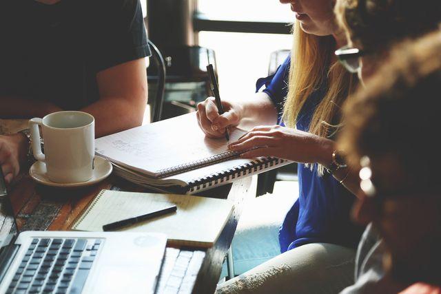 Als kommunikativer Lerntyp lernst du am besten in kleinen Lerngruppen.
