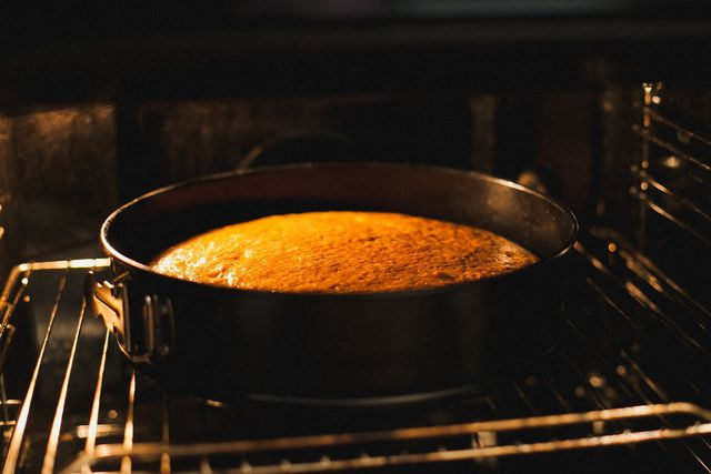 Ein Wasserkuchen ohne Butter und Ei ist schnell angerührt und braucht nur wenige Zutaten.