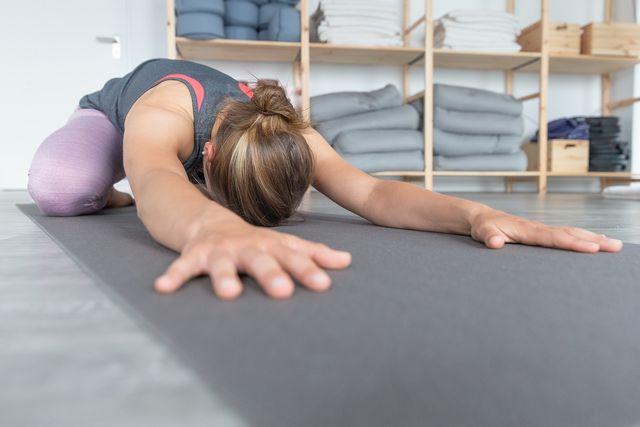 Im Iyengar-Yoga stehen die Körperübungen vom Hatha Yoga im Fokus.