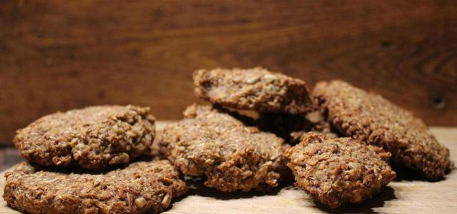 Easy homemade oatmeal cookies recipe from scratch