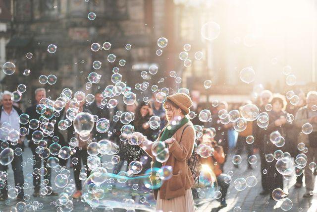 Die Wirdrigkeiten des Lebens sind für resiliente Menschen fast wie Seifenblasen - sie hinterlassen keinen bleibenden Schaden.