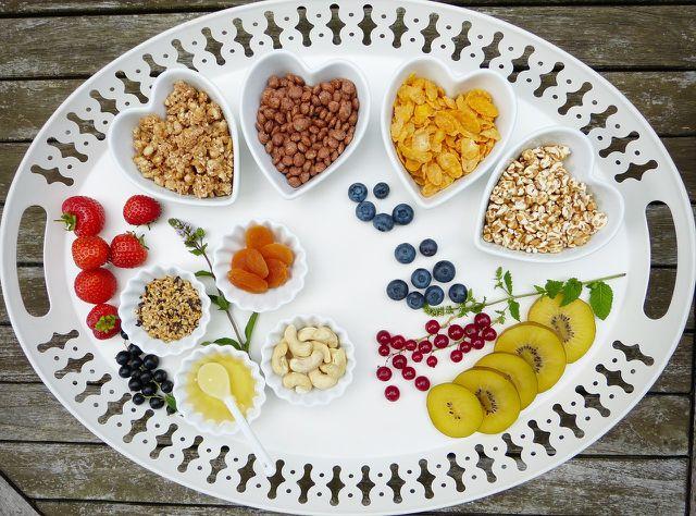 Kleine, gesunde Snacks bringen dich und deine Helfer in Schwung.