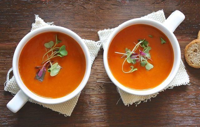 Suppen aus leicht verdaulichem Gemüse passen in die letzte Phase der Mayr-Kur.