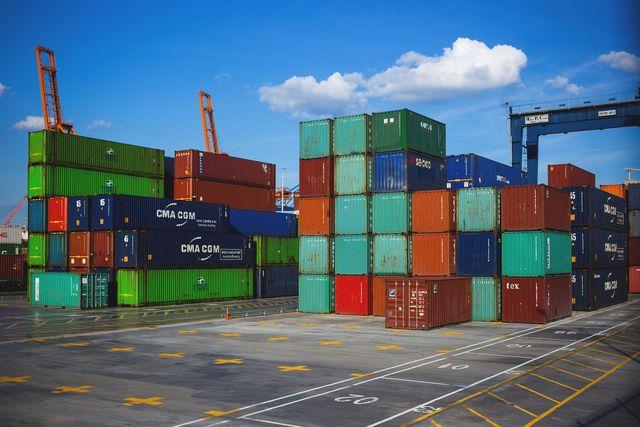 Mit Wachstum nehmen auch die Waren und Transporte zu.