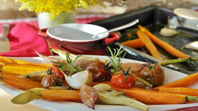 Gesund grillen mit Gemüse muss nicht langweilig sein.
