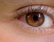Check out some of our natural home remedies that will reduce redness and puffy eyes