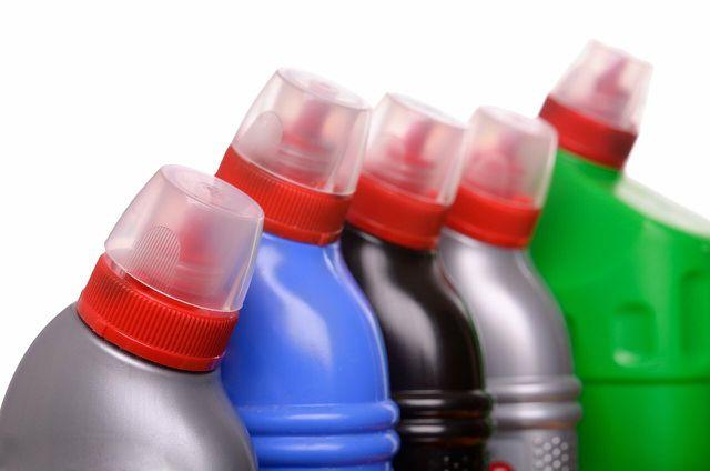 Borax in Reinigungsprodukten kannst du leicht meiden, wenn du deine eignen Putzmittel aus unbedenklichen Stoffen herstellst.