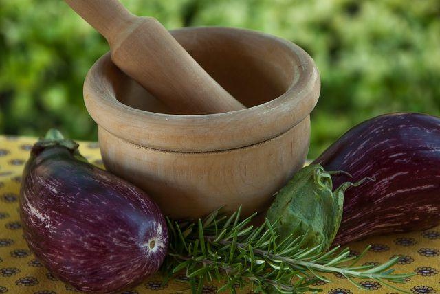 Auberginen haben viele Vorteile für deine Gesundheit.
