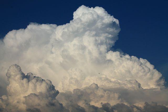 Viele Aerosole begünstigen die Entstehung von Wolken.