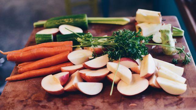 Ernährung: am besten abwechslungsreich und pflanzenbasiert