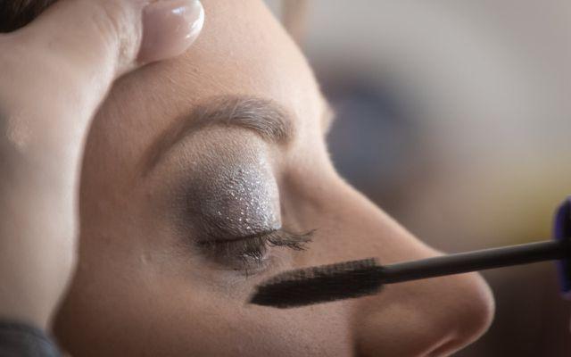 Augen-Make-Up mit Concealer