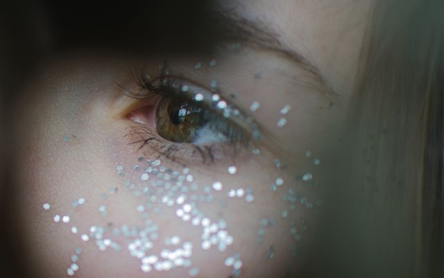 eye makeup plastic