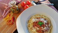 Spaghetti Bolognese kann man leicht und lecker vegan zubereiten.