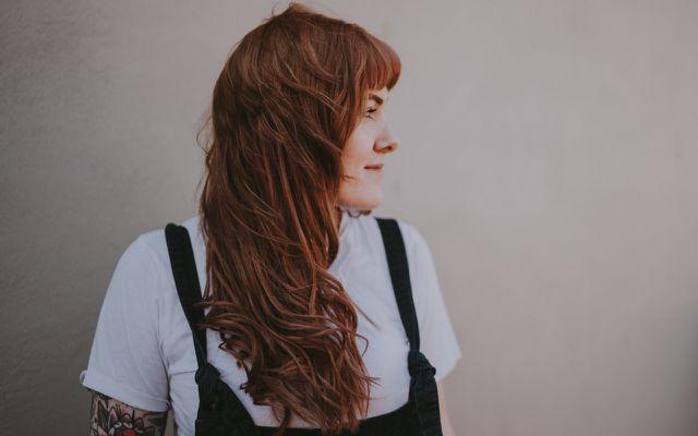 uses natural red brown hair dye