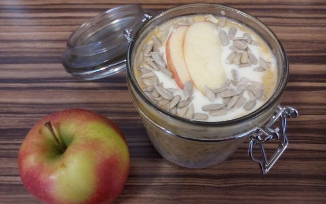 Overnight Oats with Apples