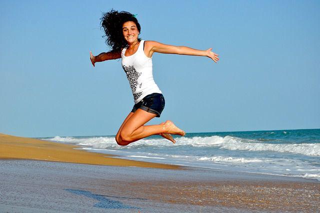 Sport ist eine gute Ablenkung beim Zuckerentzug und bringt die Stimmung in die Höhe.