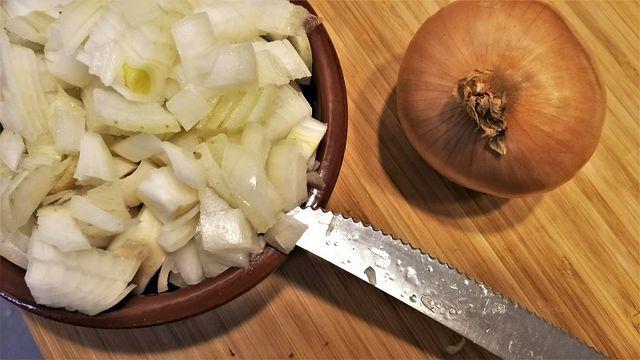 Rohe Zwiebeln essen - worauf achten?