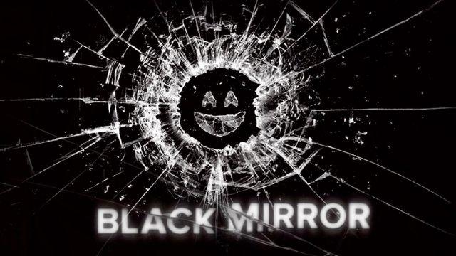 """Der Titel """"Black Mirror"""" spielt auf die schwarzen spiegelnden Bildschirme technischer Geräte an."""