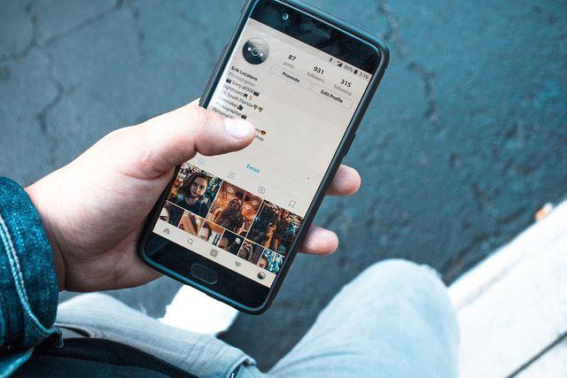 Minderwertigkeitskomplexe werden durch Social Media immer stärker befeuert.