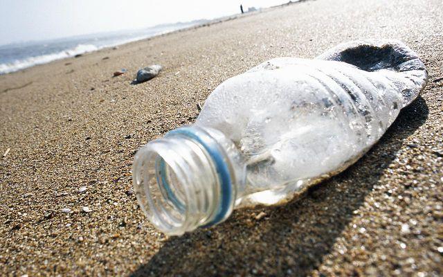 Plastikflaschen verursachen unnötigen Müll