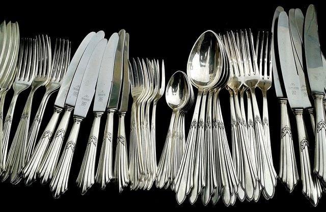 Silber Reinigen Besteck Und Schmuck Mit Hausmitteln Putzen Utopia De