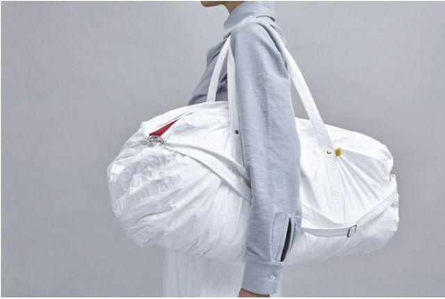 Reisetasche von Luxaa aus Tyvek Baumaterial