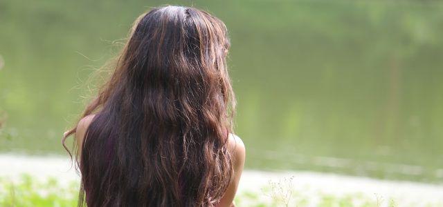 Fettige Haare Diese Tipps Und Hausmittel Helfen Utopiade