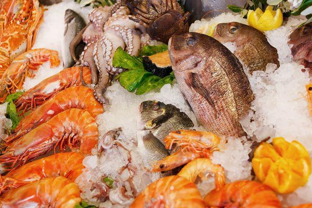 Fisch enthält zwar reichlich Selen, ist jedoch aus mehreren Gründen nicht empfehlenswert