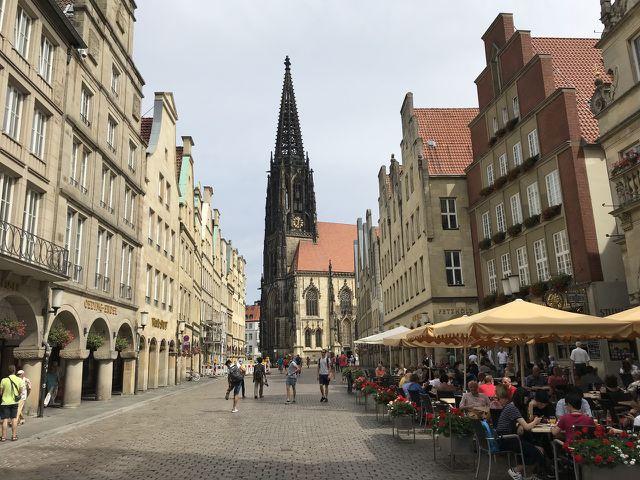 Der Prinzipalmarkt gehört zu den Sehenswürdigkeiten von Münster.