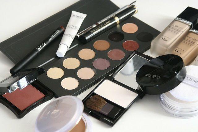Oft finden sich tierische Inhaltsstoffe in Kosmetik.