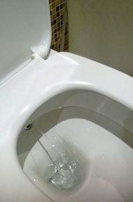 Alternative zu Toilettenpapier: einfaches Dusch-WC in Ägypten