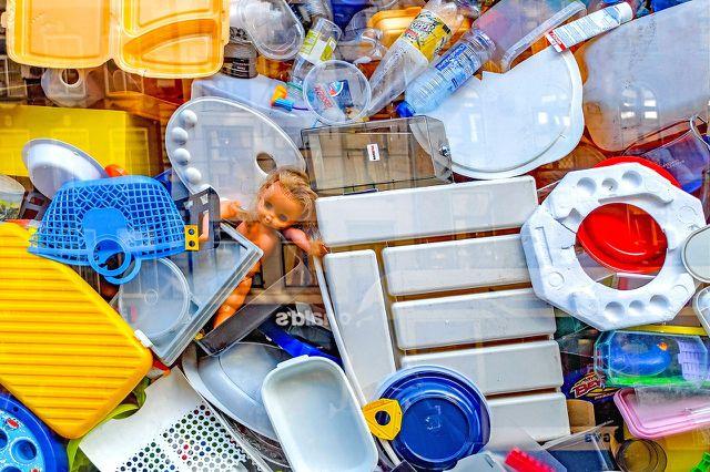 In die Gelbe Tonne kommen ausschließlich Verpackungen aus Kunststoff, Metall, Verbundstoff und Naturmaterialien.