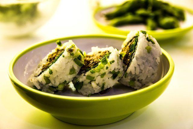 Im Sushi-Reis stecken neben viel Stärke auch andere wichtige Nährwerte.