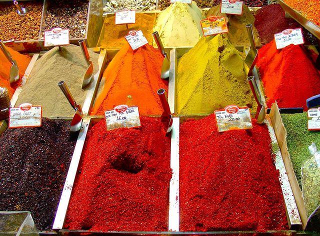 Vor allem Safranpulver lässt sich leicht fälschen.