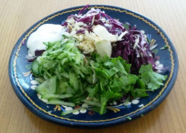 Im Krautsalat schmecken rohe Pastinaken köstlich.