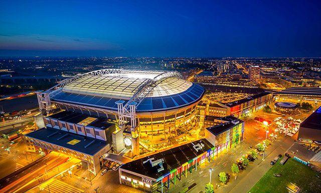 Zweites Leben für E-Auto-Akkus: Stadion in Amsterdam.