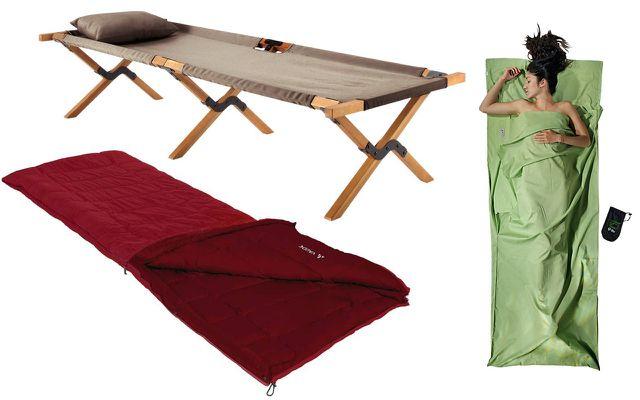 Camping-Zubehör: Feldbett von Maisons du Monde, Hüttenschlafsack von Cocoon, Schlafsack von Vaude